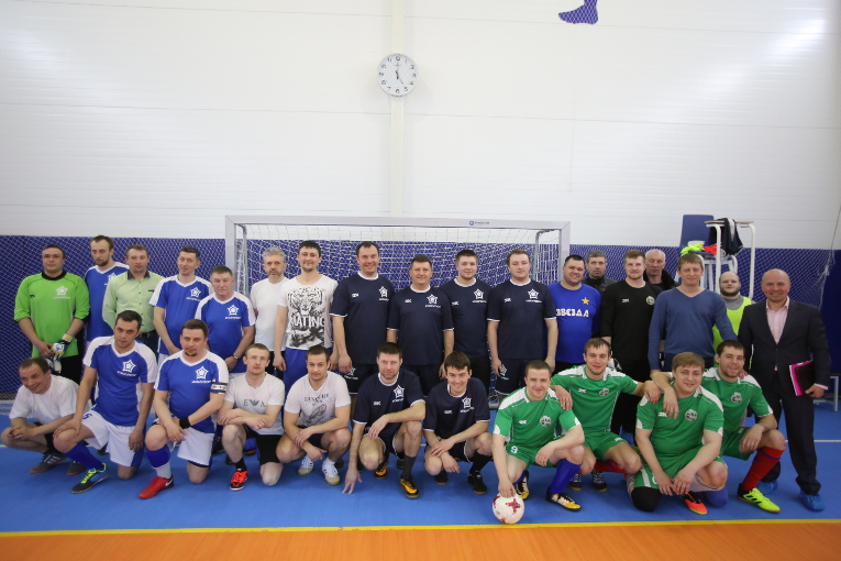 All the teams of the first games of the open futsal cup among Izolyator staff members for the Izolyator 2018 Spring Cup