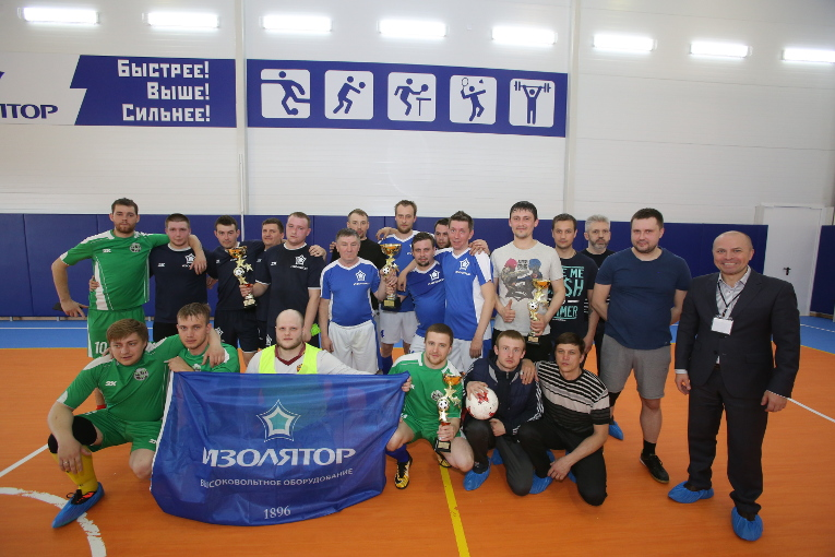 All the teams participating in the final games of the Izolyator 2018 Spring Futsal Cup